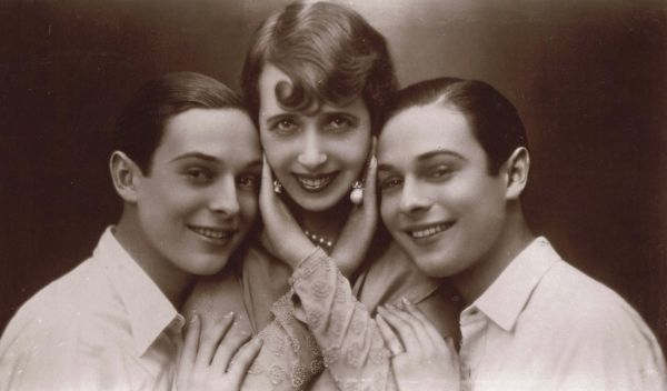The Rocky Twins with Mistinguett in Paris Miss, 1929 1929