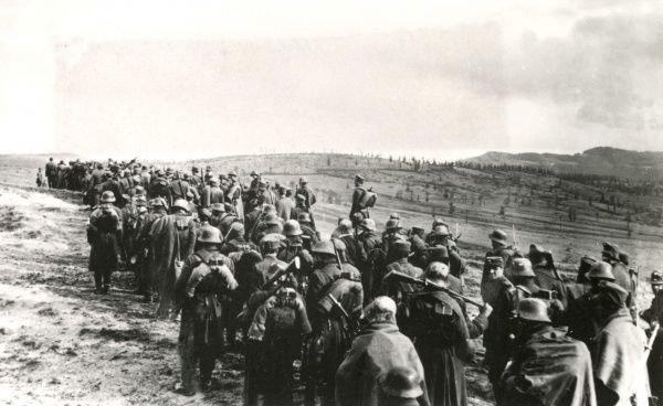 A Romanian column of the Austro-Hungarian army marching through the Transylvanian Hills in Romania during the First World War. Date: circa 1916-1917