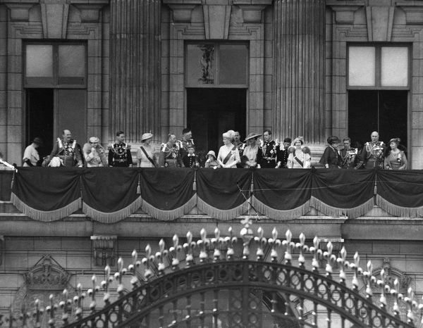 The royal family assemble on the balcony of Buckingham Palace during the celebrations of the Silver Jubilee of King George V. From left, Princess Arthur of Connaught, Prince Arthur of Connaught, Queen Maud of Norway, Duke of York (later King George VI)