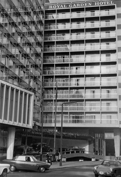 The ultra modern Royal Garden Hotel, Kensington High Street, London, with its trendy underground car park. Date: late 1960s