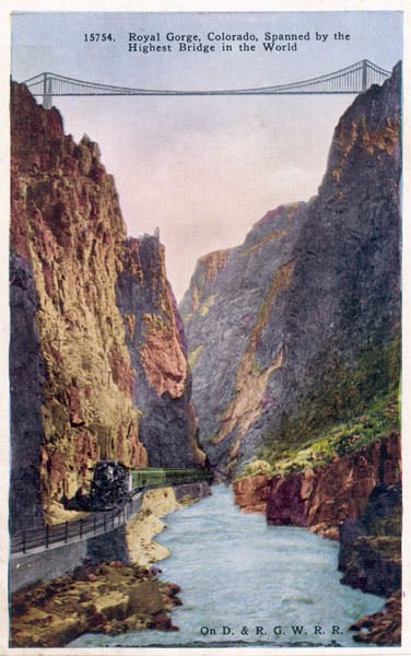 The railway bridge over the Royal Gorge, Colorado : at the time of its construction, it is the highest bridge in the world
