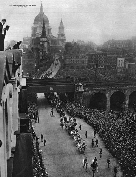 The royal procession leaving St Paul's Cathedral, London, returning to Buckingham Palace after the service of dedication and official opening of the Festival of Britain. In the open carriage are King George VI, Queen Elizabeth and Princess Margaret