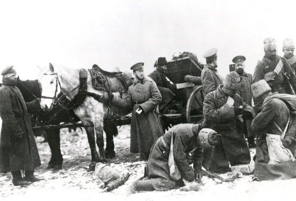 Russian troops with ammunition during the First World War. Date: 1914-1918