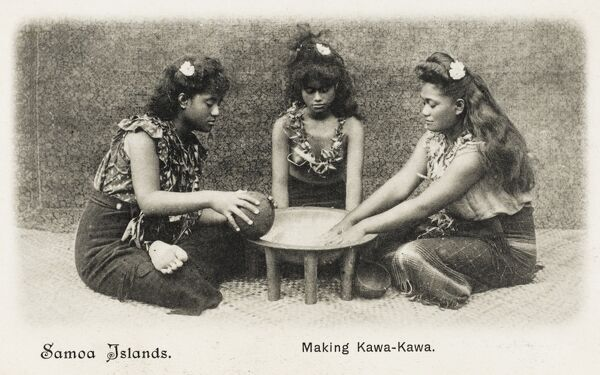 Samoan Women - Making Kawa-Kawa. Kawakawa is one of the most distinctive Pacific native plants