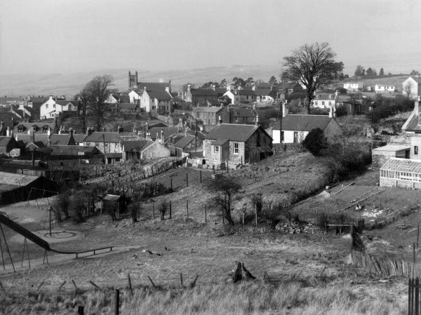 A fine view of the small mining town of Dalmellington, situated in the Ayrshire hills, Scotland. Date: 1960s