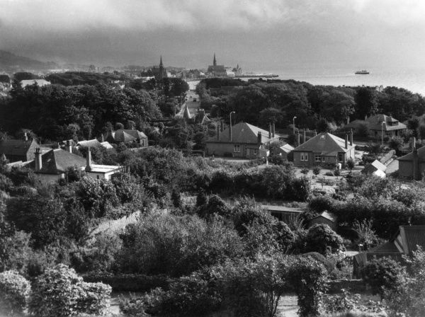 A view from the golf course of Largs, north Argyllshire, Scotland, a popular seaside holiday resort, on the lower reaches of the Firth of Clyde. Date: 1960s