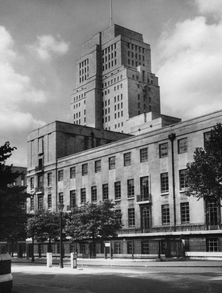 The Senate House, University of London, was designed by the architect Charles Holden in 1932. Some say it owes its lines to the USA skyscraper, others to European Modernism
