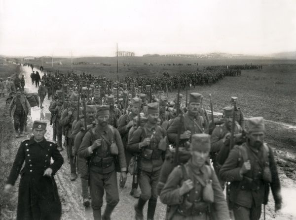 The newly equipped Serbian army marching to camp at Mikra, Kalamaria, near Salonika (Salonica, Thessaloniki), Greece, during the First World War. Date: April 1916