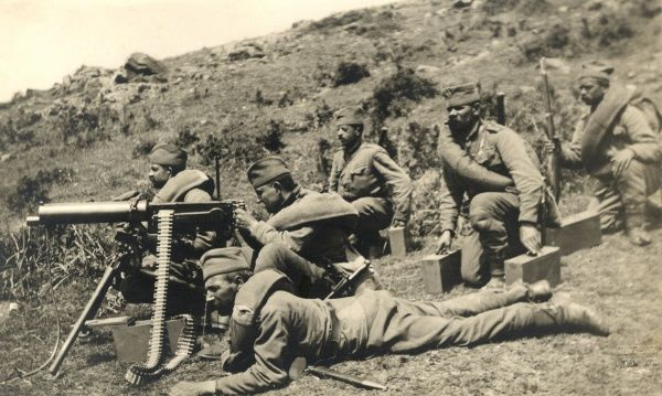 Serbian gunners with Russian machine guns in firing position near Obrenovici, Serbia, during the First World War. Date: 1915-1917