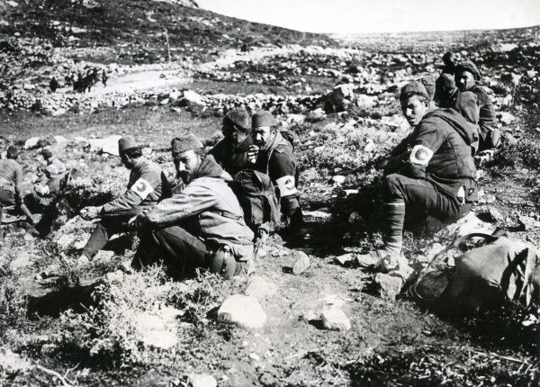 Serbian Red Crescent troops resting in Serbia on the eastern front during the First World War. Date: 1915-1917