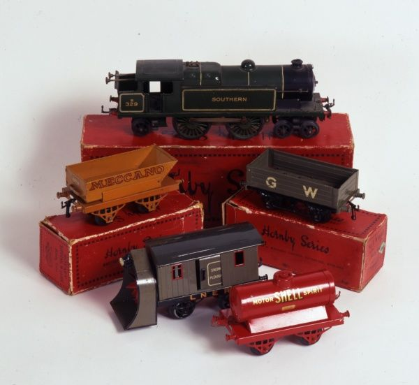 Set of Hornby toy trains & rolling stock