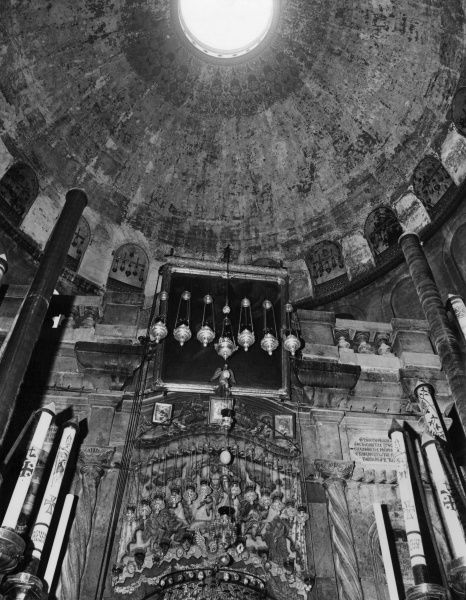 The interior of the Church of the Holy Sepulchre, Jerusalem, Israel. Date: 1960s
