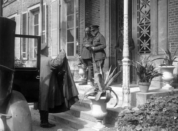 Field Marshal Sir Douglas Haig (1861-1928) with General Sir Henry Rawlinson (1864-1925) at 4th Army Headquarters, Querrieu, northern France, during the First World War