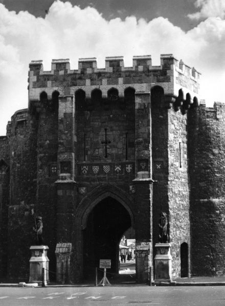 The Bargate, one of the medieval bars (gateways) of the city of Southampton, Hampshire, England. The central archway built c. 1180 - 1200, other two 1764 - 1774 Date: 12th & 18th century
