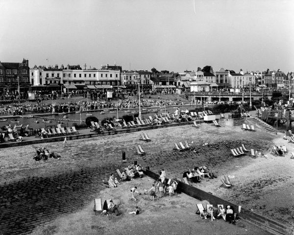 Deckchairs on the sea front at Southend-on-Sea, Essex, England. Date: 1950s