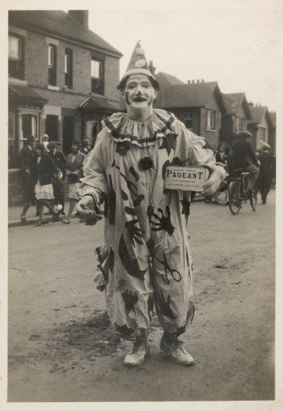 Stafford Pageant - Clown collecting money