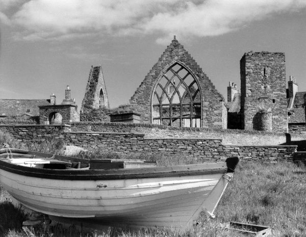 The ruins of St. Peter's Church, seen from the quayside, at Thurso, the most northerly town on the mainland of Caithness, Scotland. Date: 1960s photo