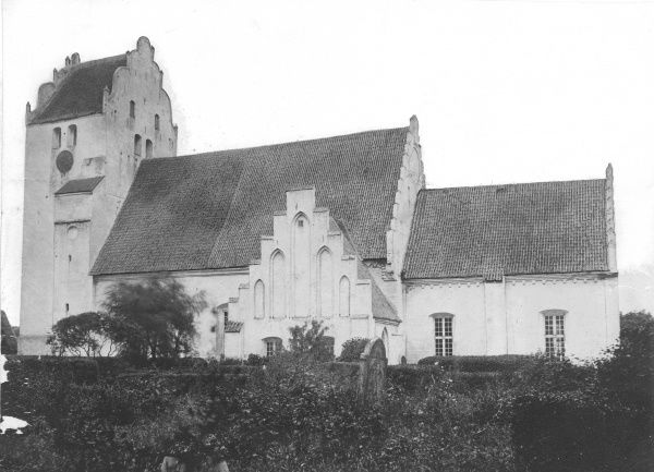 One of the last pictures of the Trelleborg old church, Sweden. It was pulled down 1914, Date: 1914