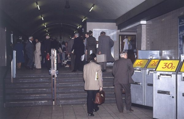 London underground 'tube' ticket machines, in the days when you could travel for only 30p = bargain! Date: 1978
