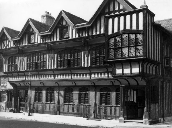 The Tudor House Museum, Southampton, Hampshire, England, was built by Henry Huttoft, in about 1530. It has a banqueting hall with a fine minstrel gallery. Date: 16th century