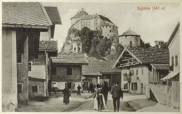 Kufstein, Austria in the Tyrol. The fortress, owned by the bishops of Regensburg, was documented for the first time in 1205. Afterwards the ownership was shared with the Bavarian Dukes. Date: circa 1910s
