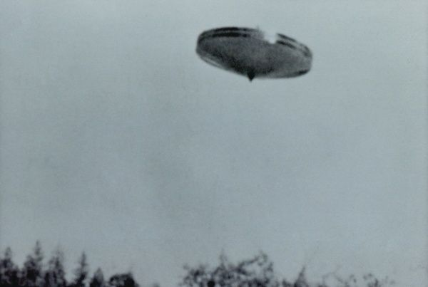 Contactee Daniel Fry, thanks to his extraterrestrial friends, was able to film this spinning UFO over Merlin, Oregon