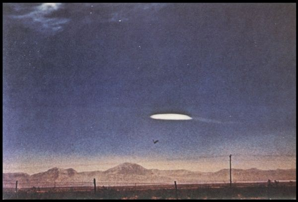 UFO photographed near Holloman Air Force Base, New Mexico ; never satisfactorily explained but a secret military device seems a possibility