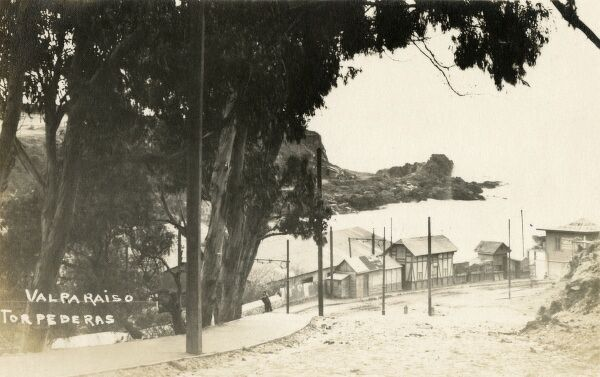 Torpederas - a celebrated bathing spot and 'Palais de Dance' - 2 miles from Valpariaso, Chile. Date: circa 1920s