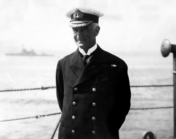 Vice Admiral Sir John Michael de Robeck (1862-1928), British Royal Navy officer who commanded the Allied naval force in the Dardanelles during the First World War. He later became Admiral of the Fleet. Date: circa 1915