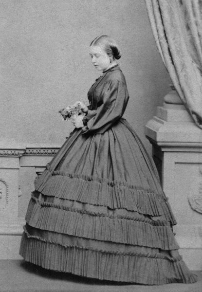 Princess Victoria, Princess Royal of Great Britain, Crown Princess of Prussia, later Empress of Prussia (1840-1901) photographed by Mayall in 1861
