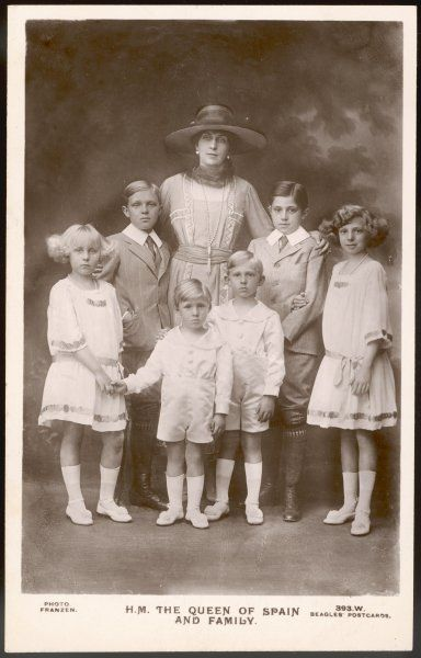 VICTORIA EUGENIA, Queen of Spain, Princess of Battenburg, wife of ALFONSO XIII, with her six children, including Alfonso, Jaime and Beatrice