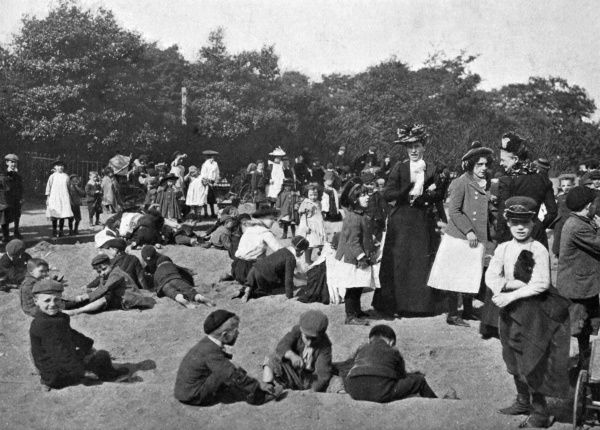 VICTORIA PARK. The sand pit. Date: 1900