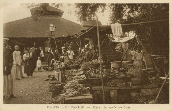 Vietnam - Can Tho Province - Traon - Fruit Market Date: circa 1900s