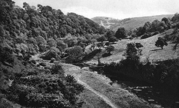 View of Chee Dale in the Peak District of Derbyshire. Date: circa 1920
