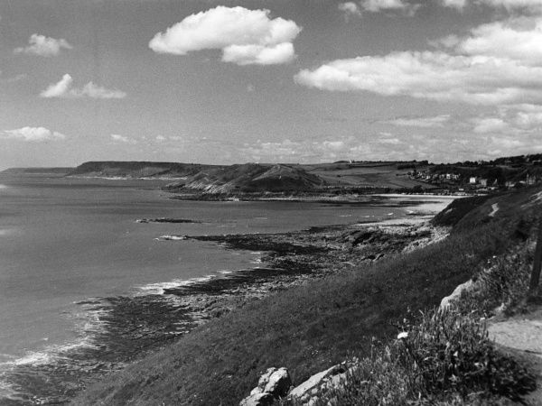 Cliffs east of Mumbles, Swansea Bay, Glamorganshire, Wales. This view was taken from the magnificent Cliff Walk. Date: 1960s