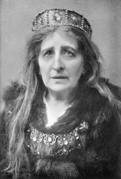 DAME GENEVIEVE WARD (LUCY GENEVIEVE TERESA WARD) American born British soprano and actress in the roll of Queen Margaret in Shakespeare's Richard III