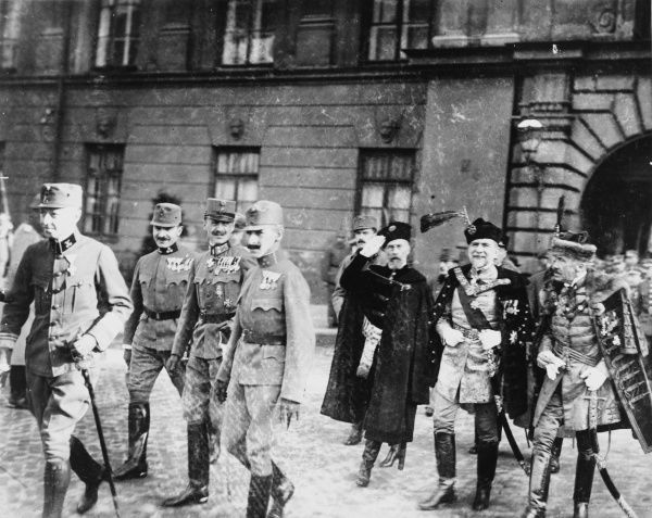 Dignitaries in Warsaw for the appointment of the Polish Regency Council in October 1917