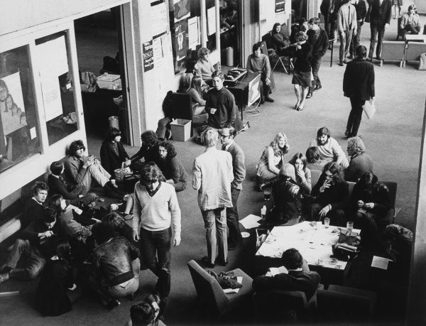 Students in the Student Union at Warwick University. Date: early 1970s