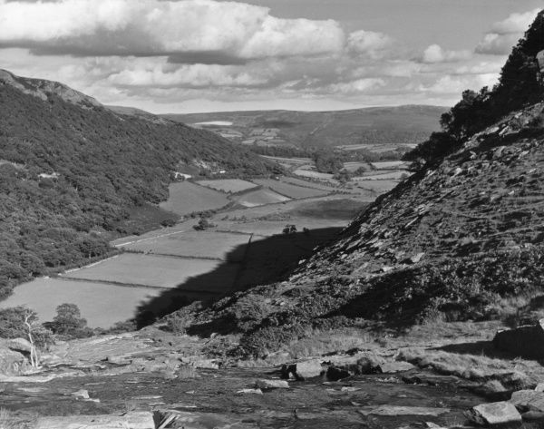A striking view of typical Welsh Valley, seen from a mountain road near Cwmystwyth, Cardiganshire, Wales. Date: 1960s