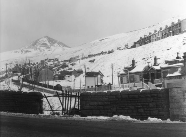 A winter snow scene at Pontygwaith, a mining village in Glamorgan, Wales. Date: 1960s