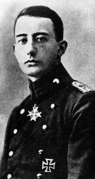 Werner Voss (1897-1917), German air ace during the First World War, with a total of 48 victories. Date: circa 1917
