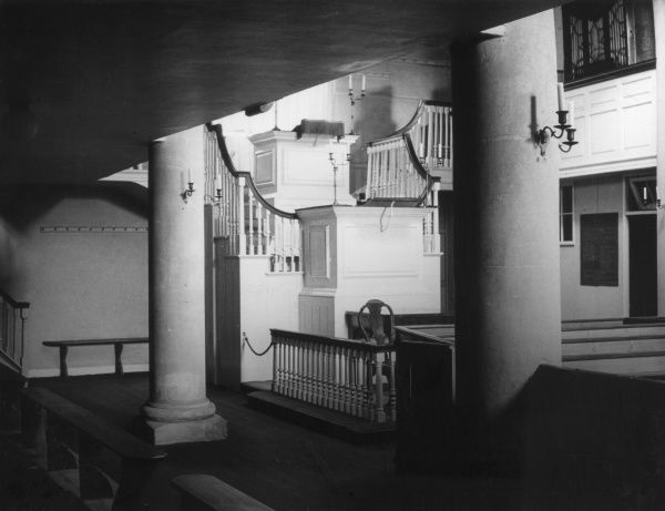 John's Wesley's Chapel and Statue in Broadmead, old Britol, Gloucestershire, England, the first Wesleyan (Methodist) chapel in the world. Interior and pulpit. Date: built 1739