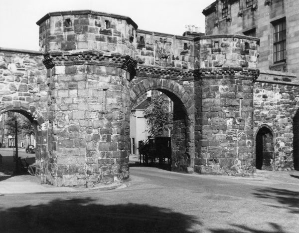 West Port, St. Andrew's, Fifeshire, one of the few surviving city gates in Scotland, it was built in 1589 and renovated in 1843. Date: 16th century
