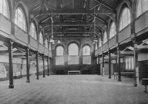 The inmates' dining hall at the new Willesden Workhouse in Middlesex opened in 1908. Date: 1908