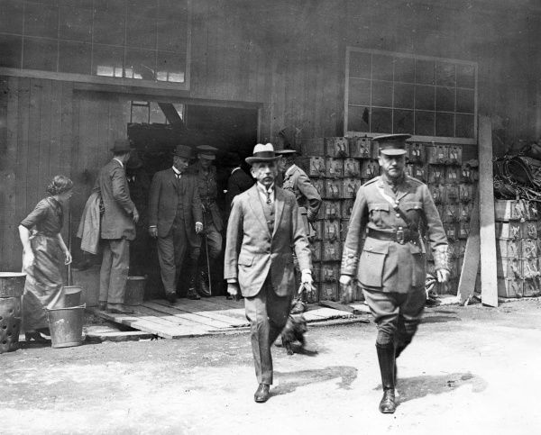 William Morris Hughes (1864-1952), Australian Prime Minister, visiting workshops in France during the First World War. Date: 1916