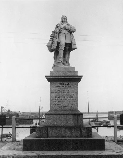 KING WILLIAM III Statue of William of Orange at Brixham in Devon, England, commemorating his landing near there on 5 November 1688 to claim the English throne