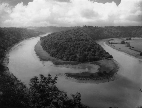 A winding river, somewhere in Britain. Date: 1950s