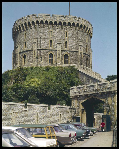 The Round Tower, or the Middle Ward, of Windsor Castle, built in the form of an amphitheatre on the highest point of the castle mount. The castle was built by William the Conqueror