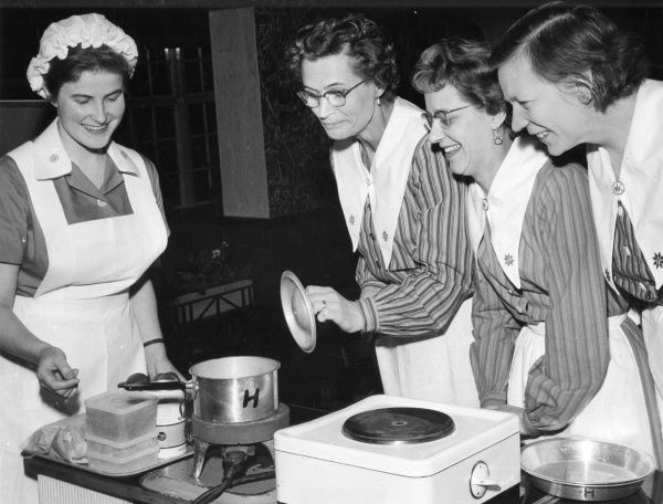 Cooking course. Date: c.1930s