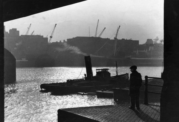 An atmospheric view of the working river. Date: 1932